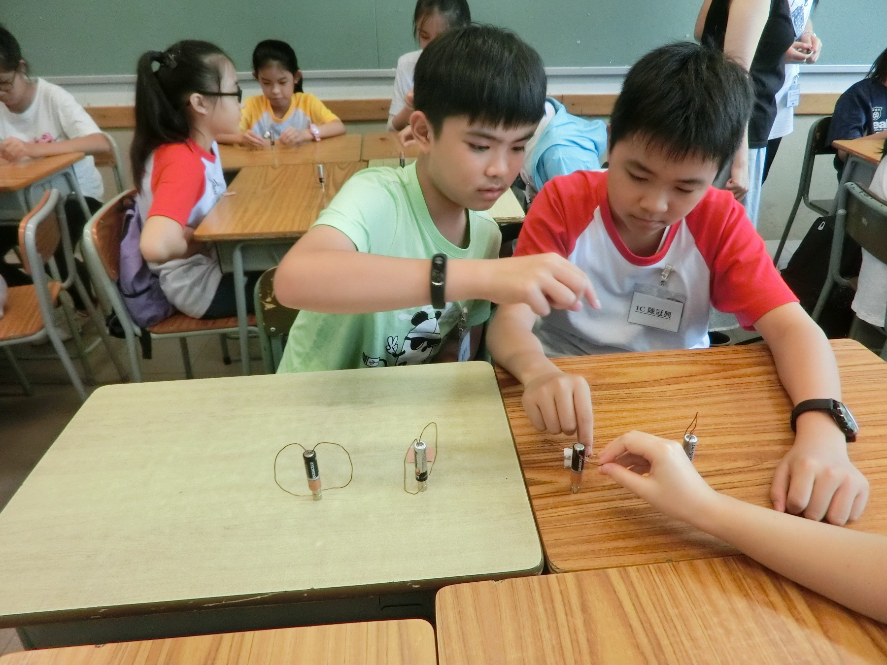 http://npc.edu.hk/sites/default/files/1c_qu_wei_xiao_shi_yan_01.jpg