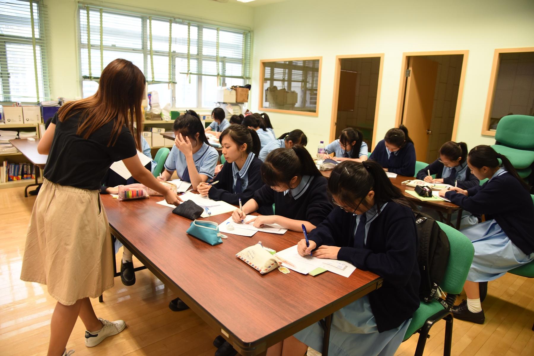 http://npc.edu.hk/sites/default/files/dsc_6721.jpg